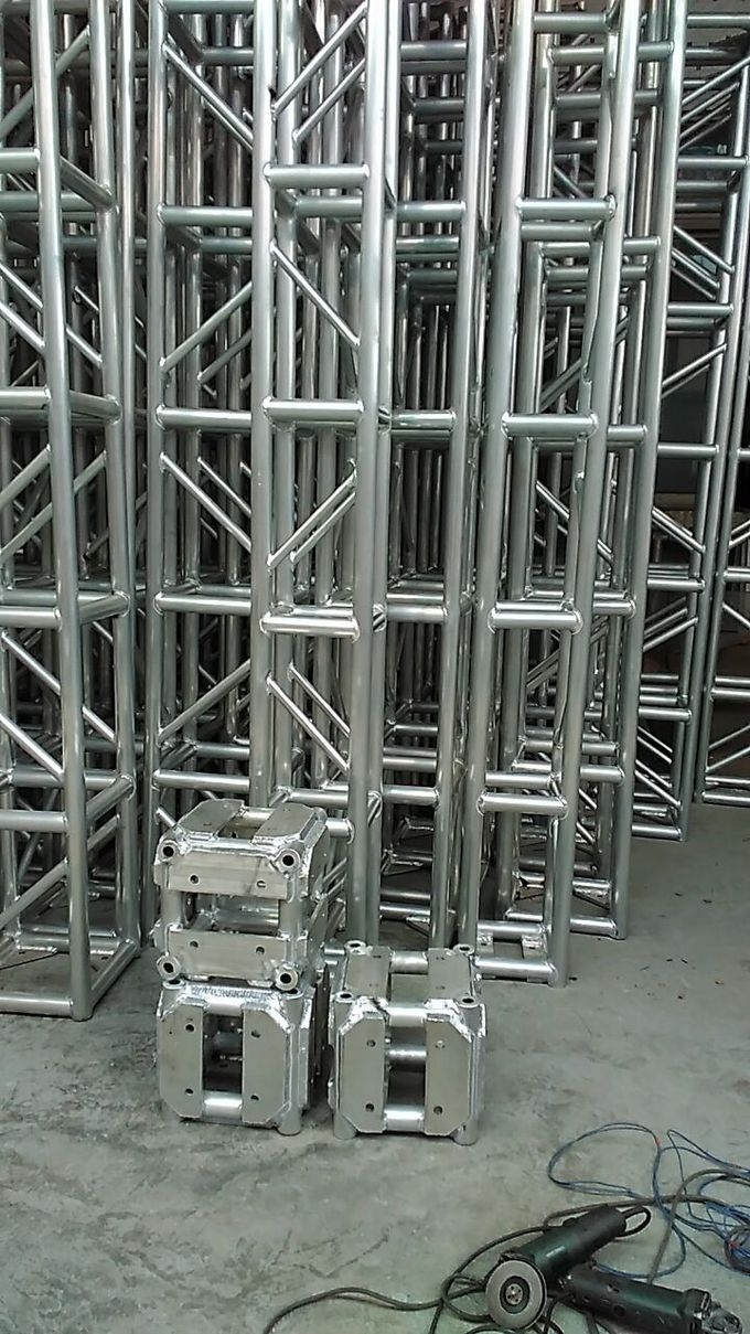 Square Bolt Aluminum Performance Stage Lighting Truss System 300 X 300mm