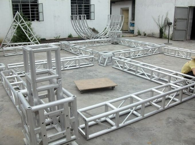High Load Silver Modern And Strong Aluminum Stage Truss System 12m Length For Outside Show Events